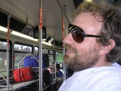 Alvaro En El Bus