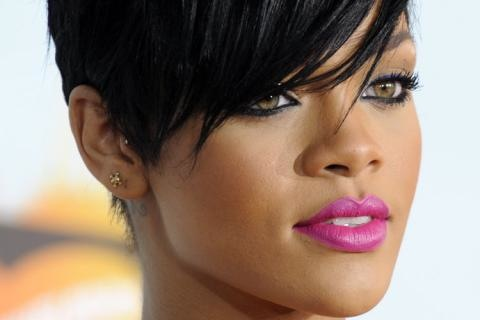 Rihanna Closegbs Cw 580039G