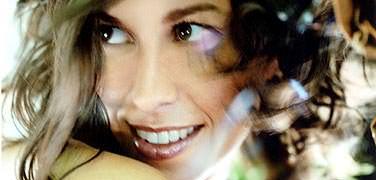 Alanis Morrissette: Crazy 1