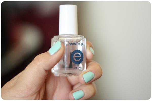 Capa final para las uñas pintadas 1