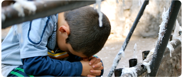 Álbum Zancada: niño rezando 1
