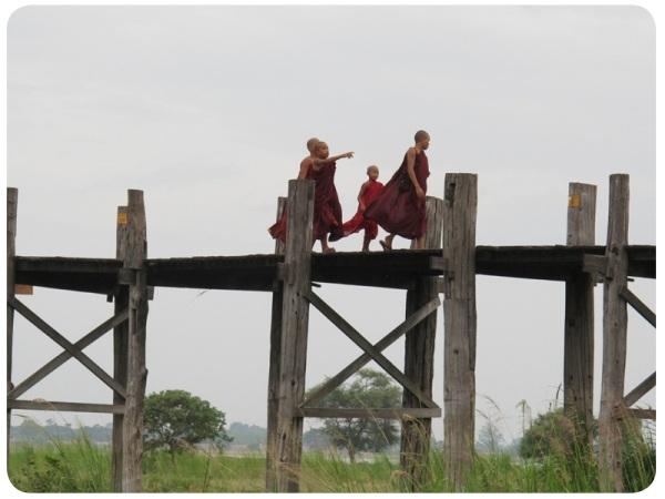 Álbum Zancada: monjes en Birmania 3
