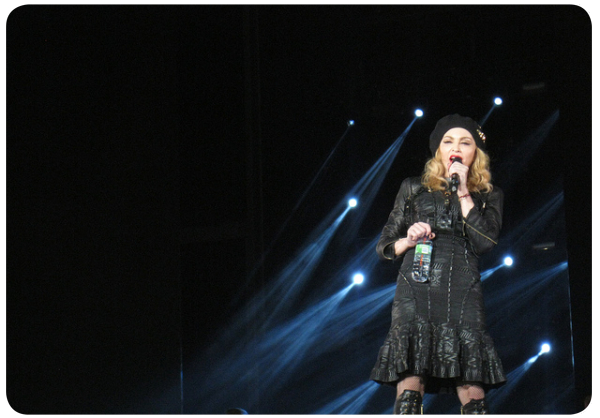 Madonna a medias  3