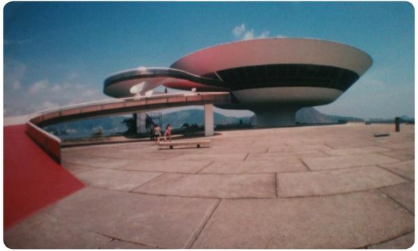 Murió el arquitecto Oscar Niemeyer 1