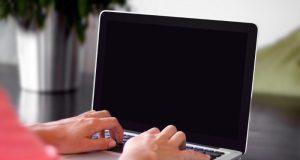 quejarse del trabajo en redes sociales
