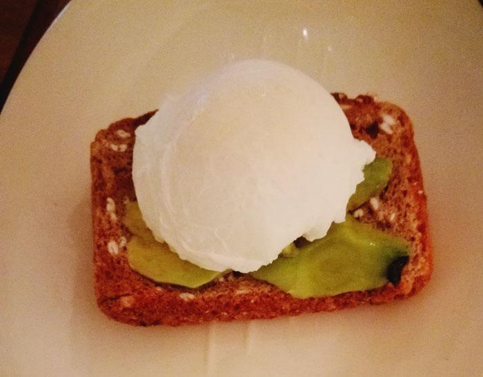Cómo hacer un huevo pochado