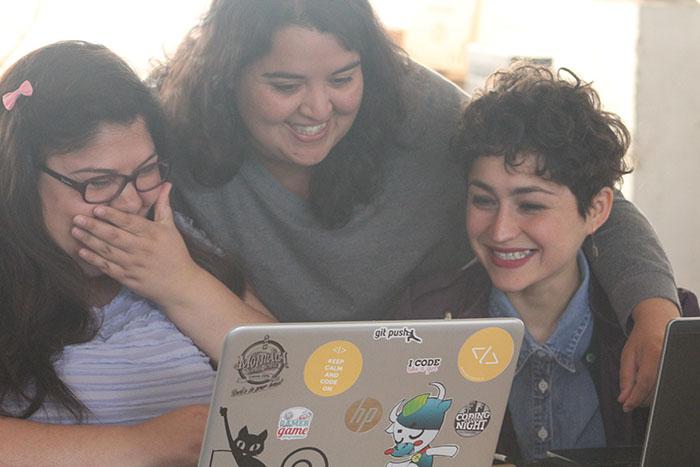 Mujeres chilenas en tecnología: Reescribiendo el código 1
