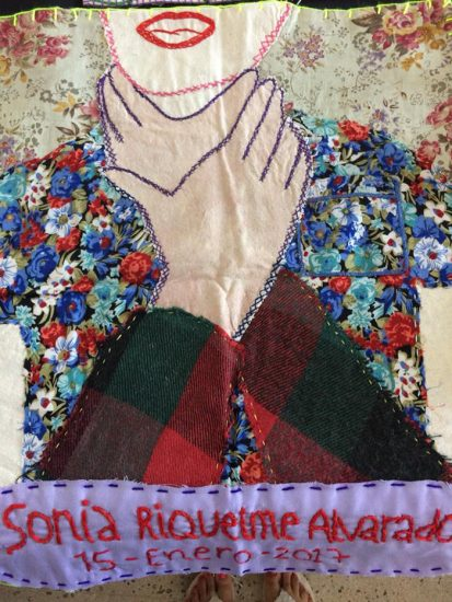Arpilleras para recordar a las víctimas de femicidio 3