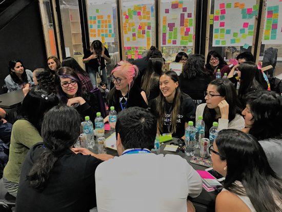 Laboratoria realizó la hackathon de mujeres más grande de Chile 2