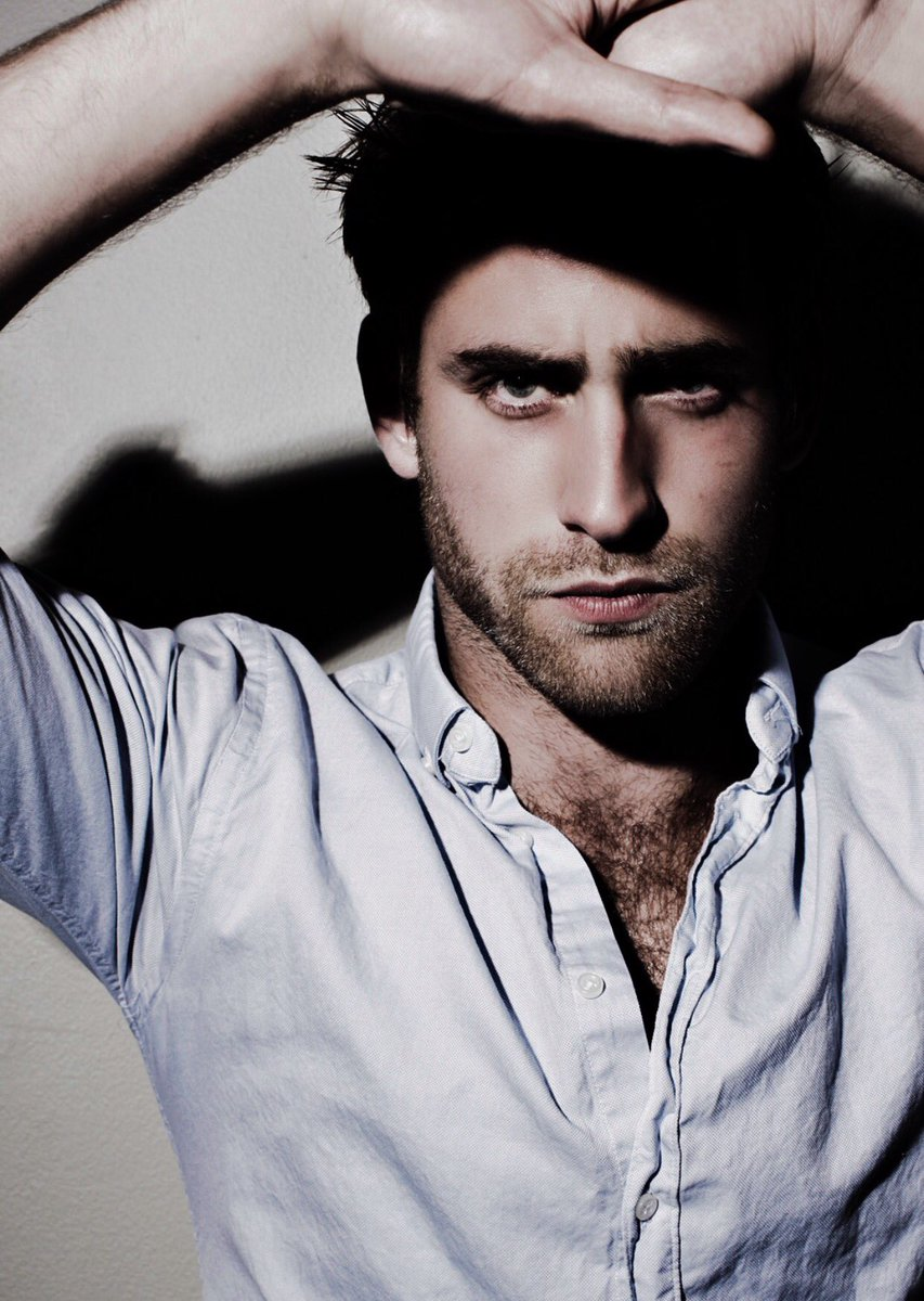 Oliver Jackson-Cohen (The Haunting Of Hill house): Mino 1