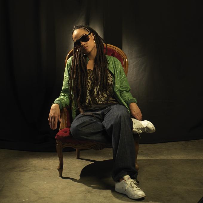 Alika: Cómo ser lider del reggae hispano y artista independiente al mismo tiempo #BandaSorora 1