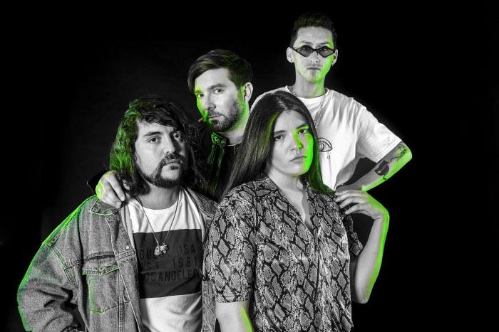 Entrevista a Fanny Leona de Playa Gótica: la música, las amigas y el amor por la diversidad 1