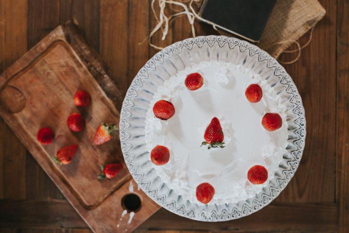 """Entrevista a Genoveva Tenaillon, autora del recetario-anecdotario """"Sin Culpas"""" (+ su receta de Torta de Frutillas con crema) 1"""