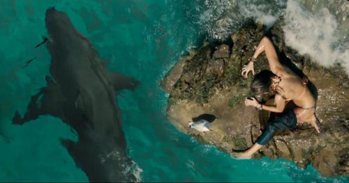 Blake Lively en Miedo Profundo: mujer vs. tiburón 1