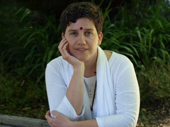 Shree Devi Maa meditar