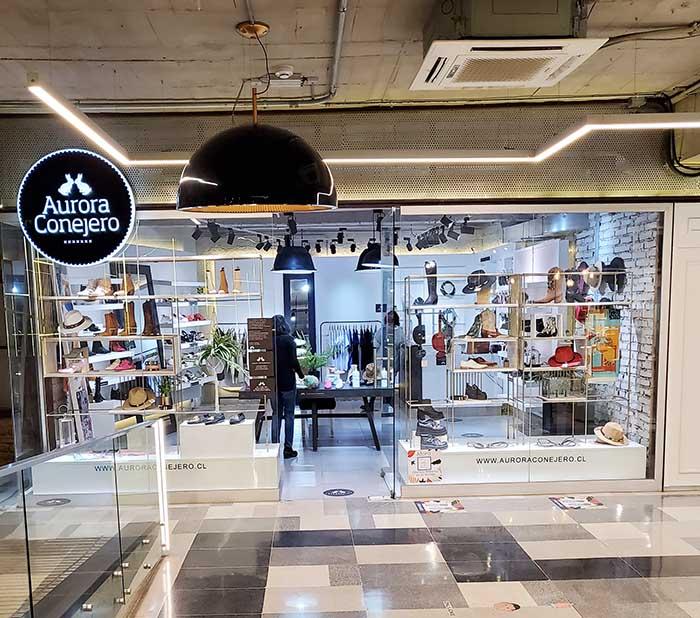Perchero Aurora Drugstore, el apoyo a emprendimientos de Aurora Conejero 1