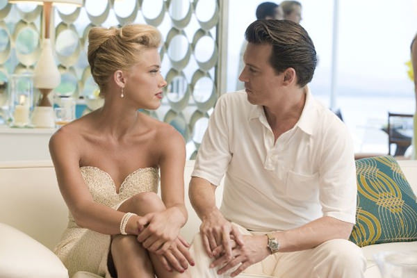 Johnny Depp es Paul Kemp en The Rum Diary 3