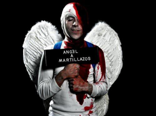 Ángel a Martillazos: el caso de los niños Rojo al teatro 7