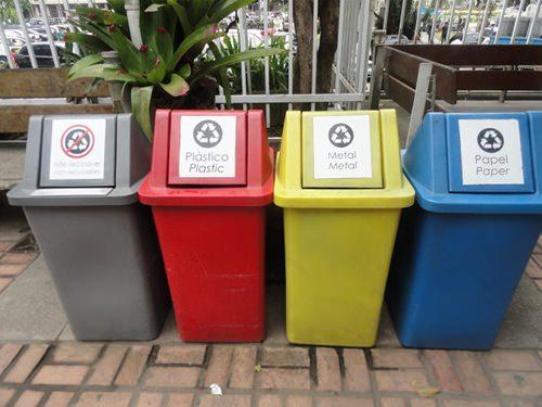 Más basureros 3