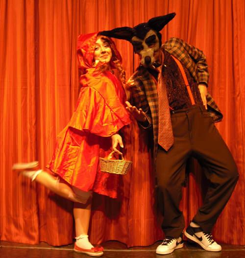 DOM/27/06 Teatro: Caperucita Roja 1