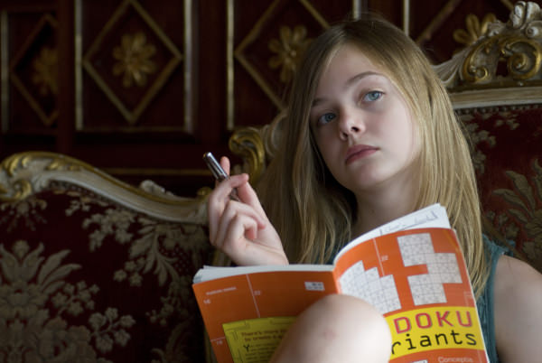 El look: Elle Fanning en Somewhere  1