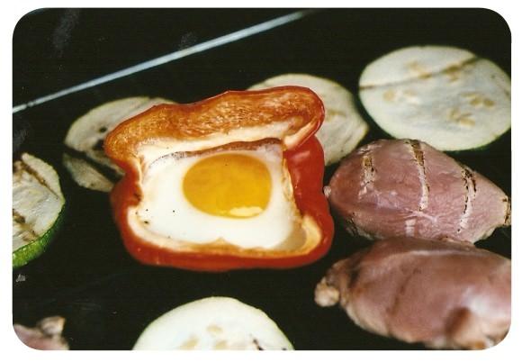 Pimentones con huevo a la parrilla 5