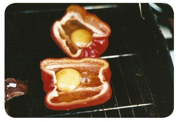 Pimentones con huevo a la parrilla 6