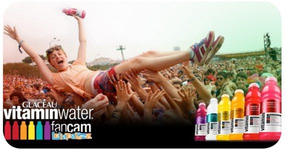 La foto gigante de GLACÉAU vitaminwater 1