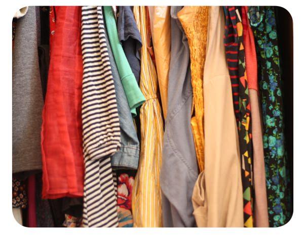 Intercambiar ropa usada con amigas 1