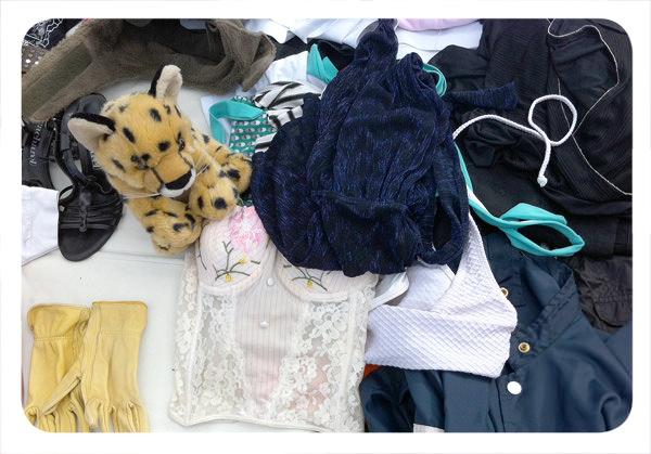Panorama: Vender ropa usada en la Feria Libre de Peñalolén 3