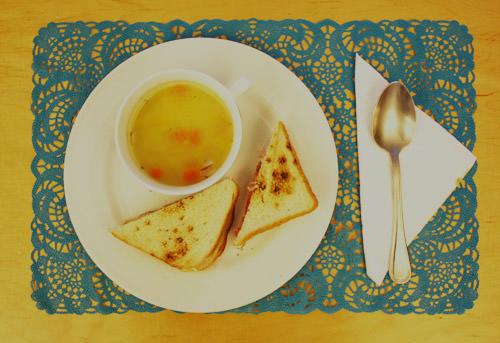 Almuerzo fácil y rico: sopa + sándwich 1